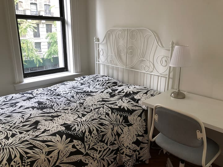 Sunny room in UWS, Columbia,Central Park