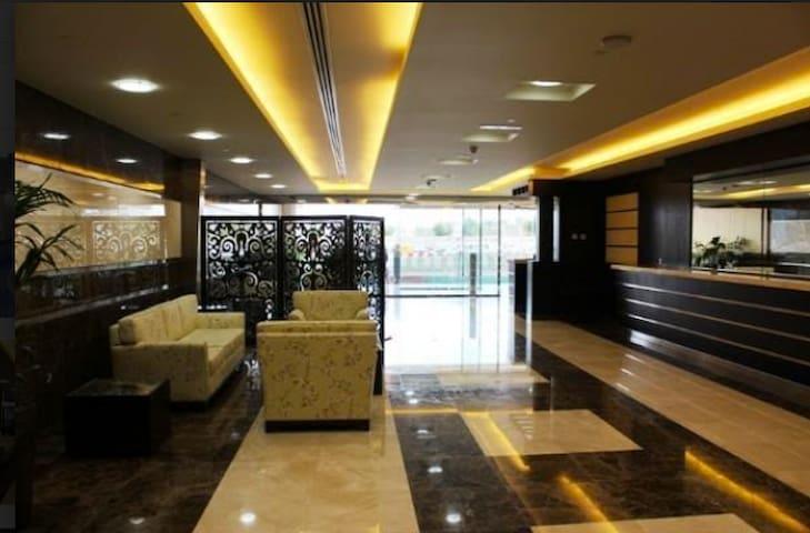 Short Term Rental for Female in Dubai Marina - Dubai - Daire