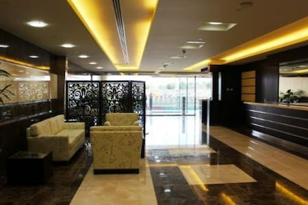 Short Term Rental for Female in Dubai Marina - 杜拜