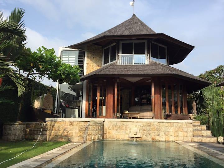 Unique octagonal shaped villa with pool near Sanur