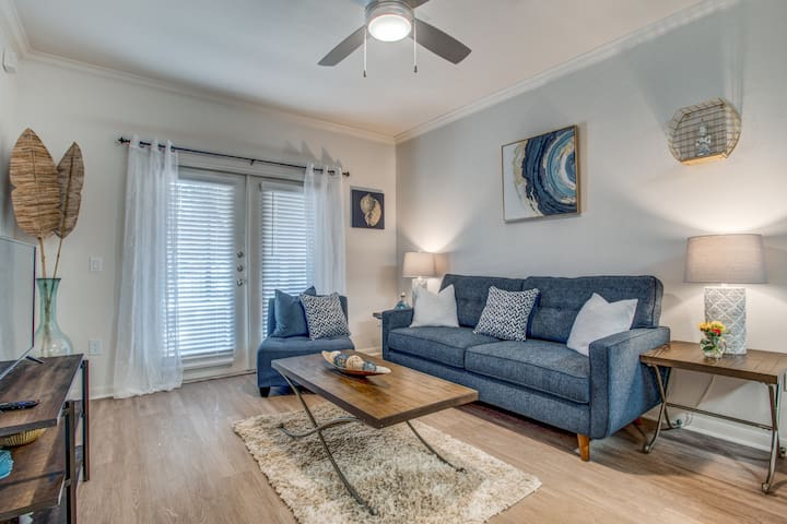 Gorgeous & Cozy Deep Ellum Adjacent Apartment