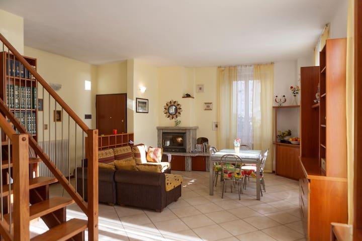 villa stefy  casa vacanza - Dervio - Huis
