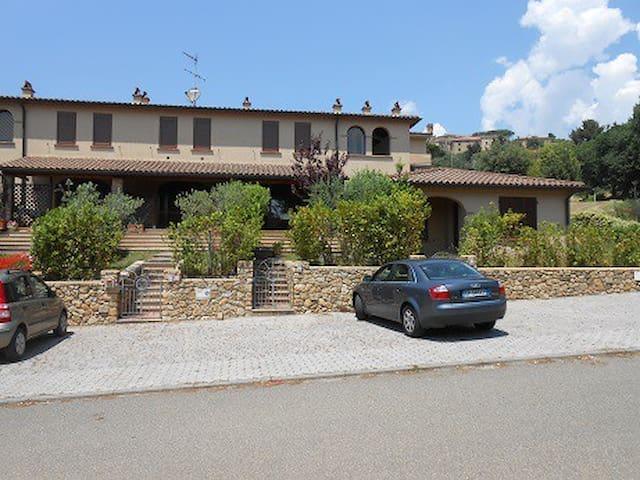 Casa vacanze mare-turismo in Toscana - Casale Marittimo