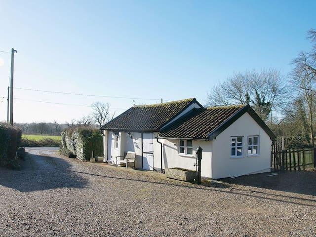 The Old Stables at Clay Cottage - Cranworth - Bungalo