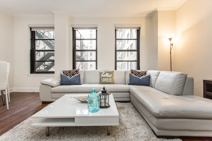 IDEAL LONG STAY Modern 1 Bedroom | Center Location