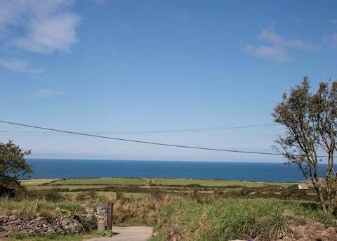 Cosy sea view apartment near Porthgain