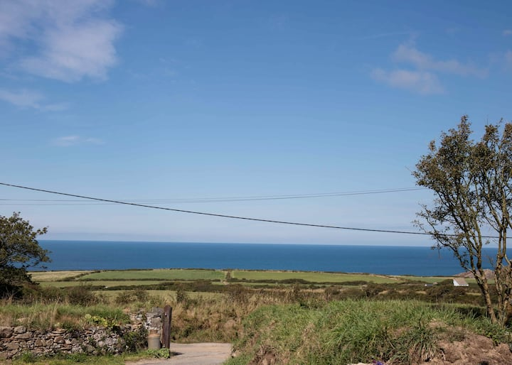 Cosy sea view apartment near Porthgain