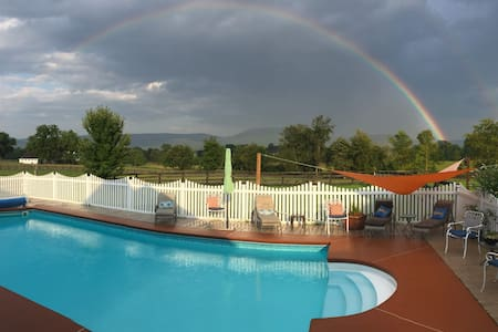 Shenandoah Valley Horse Farm with Pool,
