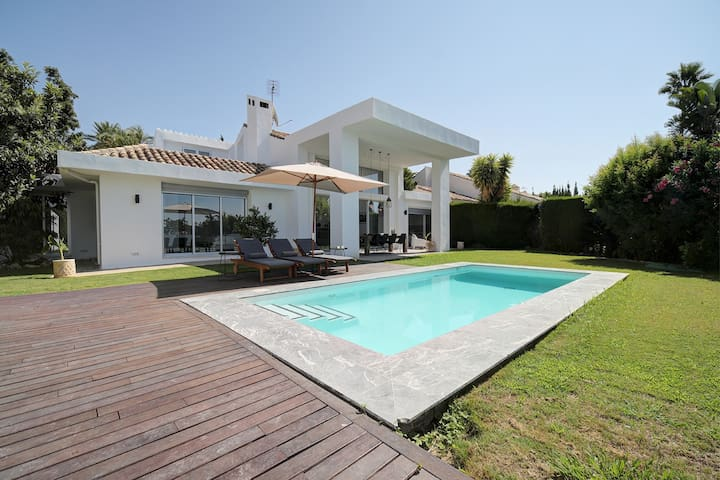 Luxury Villa Los Naranjos Golf Club | Puerto Banus