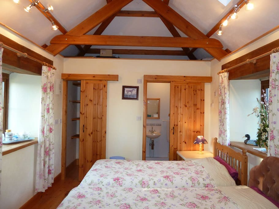 That stable showing the two beds as twin beds