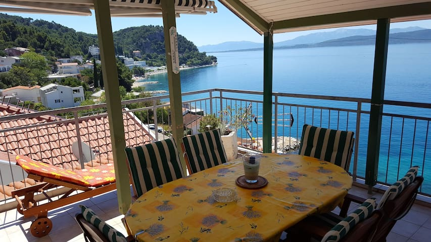 3Bedroom Apartment with Terrace with Sea View