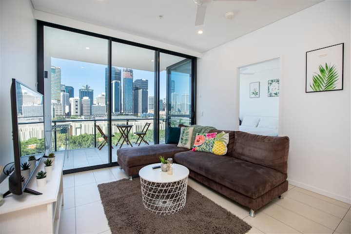 👑New Southbank CityView Stylish 2BR|Pool&Parking👑