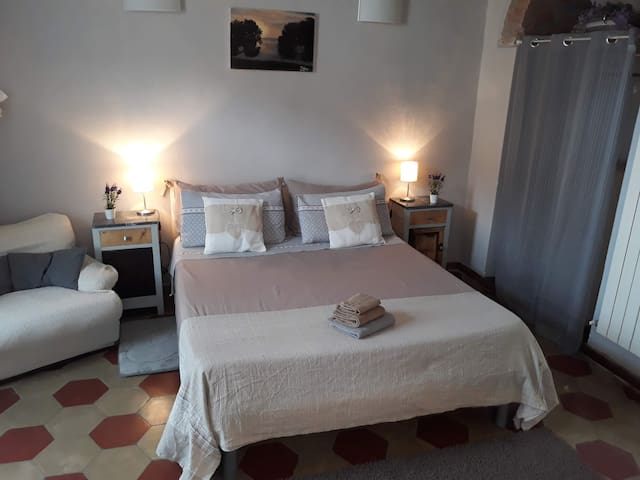 """""""Meggy""""   Per visitare Portovenere  e Cinque Terre"""