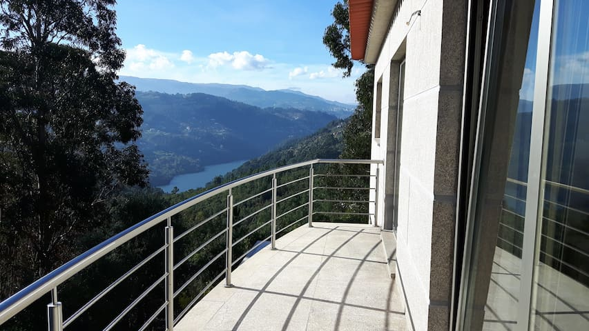 Casa Douro Terrace - River Views 60' from Porto - Ancede - Hus