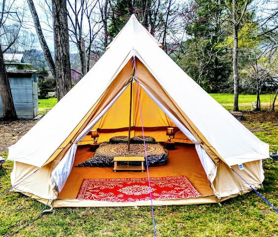 The Outdoor Inn Glamping suite #2 (Laney Bug)