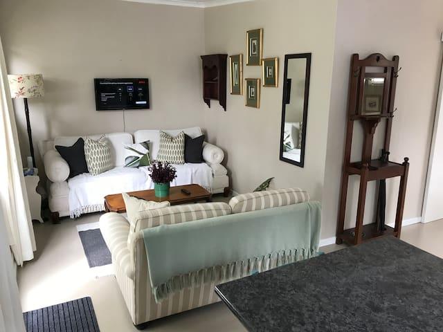 Quaint Private Cottage