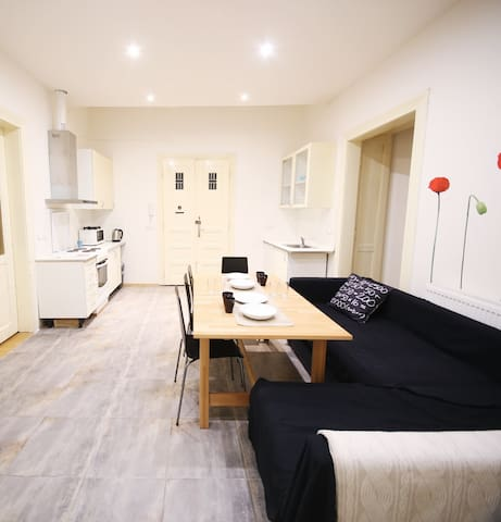 NICE 7BD APARTMENT IN CITY CENTRE