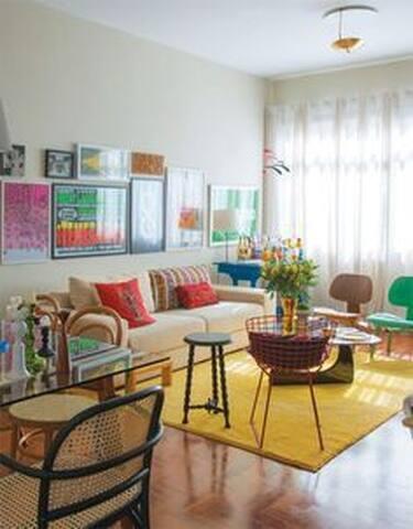 Alugo quarto  em Lisboa  avenida  Roma (Room Rent) - Lisboa - Apartment