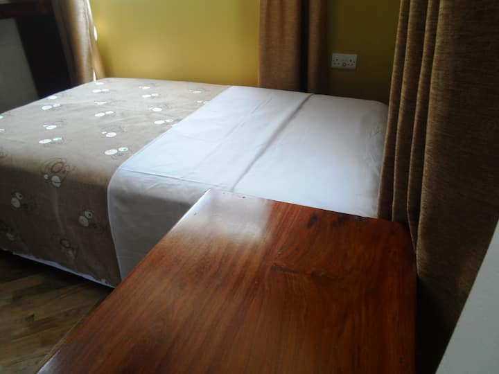 The Singles room - MC Hotel + pool +  Breakfast