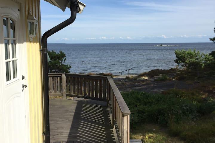 Cottage by water in Hammarö - Karlstad - Värmland