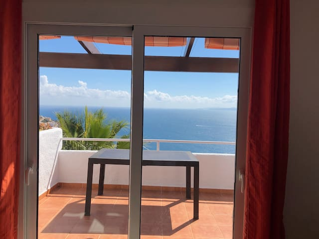 House with wonderful view to Rosas Bay   !