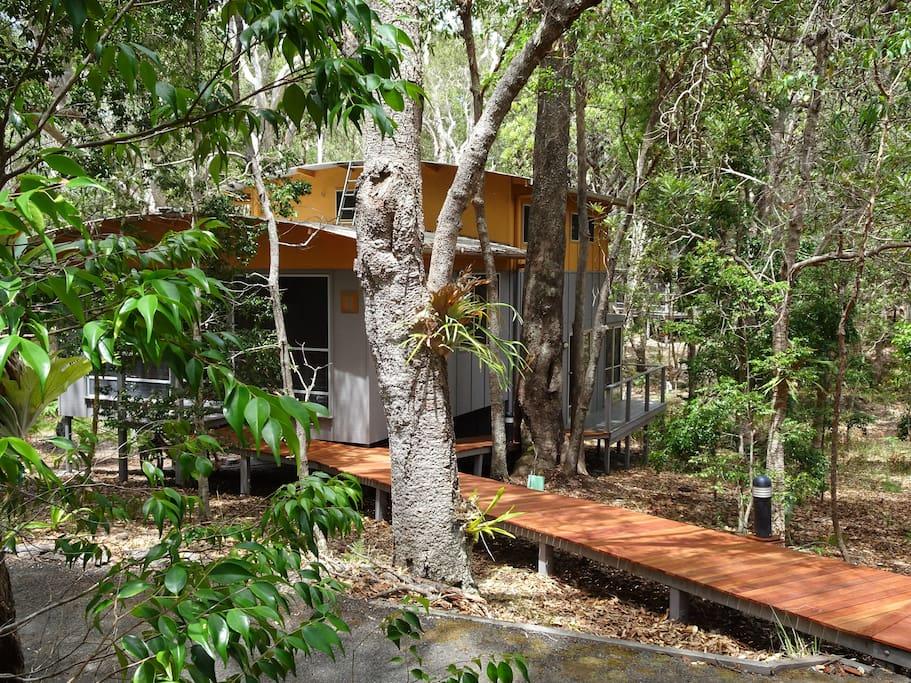 The enterance to 3R's eco cabin