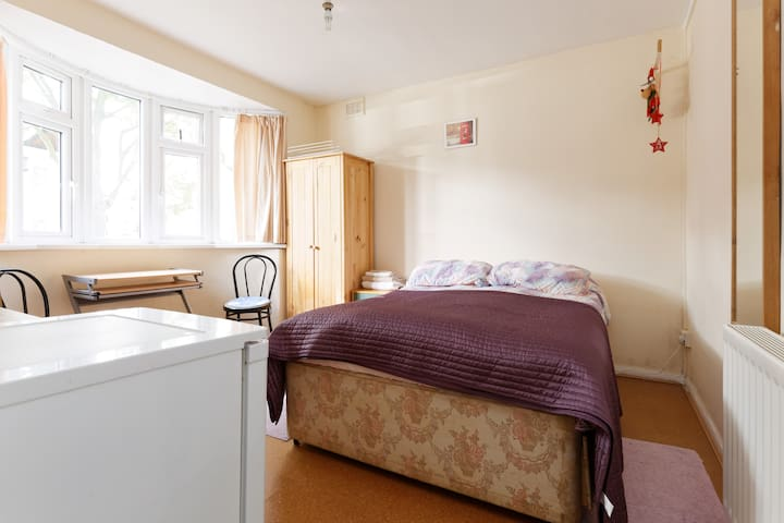 Double room / Zone 2 / For business or private