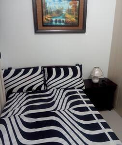 Fully Furnished 1 BR Condo Makati - Makati - Apartment