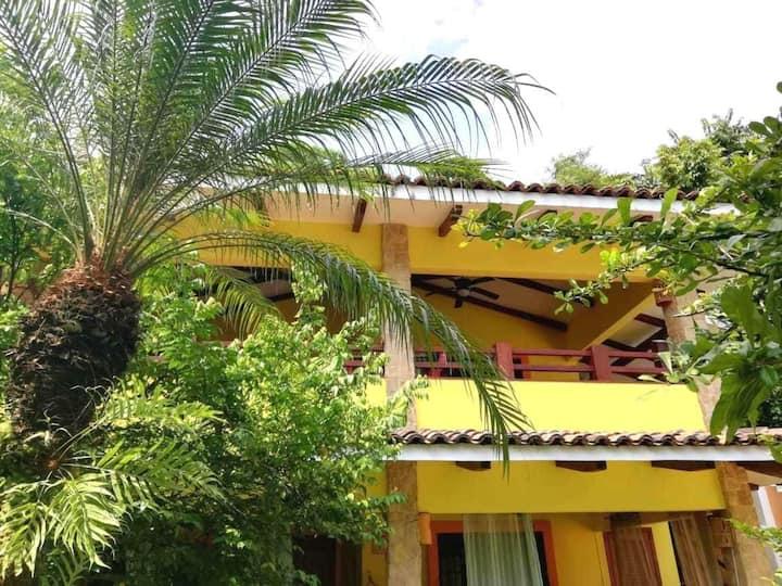 Luscious Green Estate Garden - Villas Verdes #8