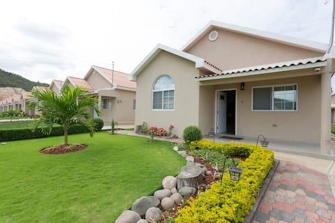 The Caymanas Villa