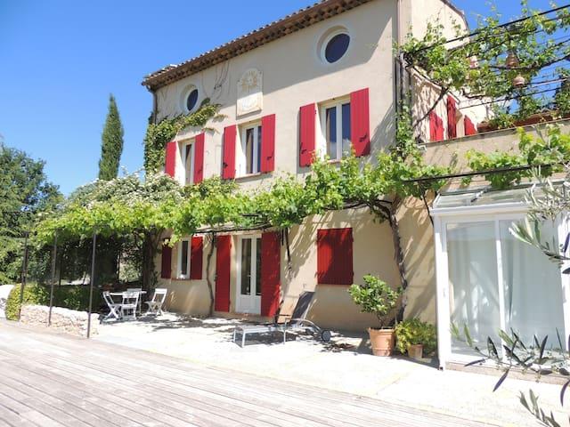 Oasis de calme en haute provence