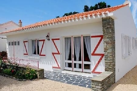 Family residence close to the beach, dogs allowed - Bretignolles-sur-Mer - Haus