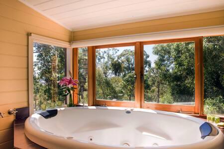 Avalon couples spa villa - secluded, tree views - Elevated Plains - Casa de camp