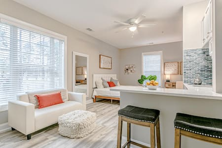 Mini Oasis Golf Condo Steps to Pool & Close to Ocean in Myrtle Beach, South Carolina