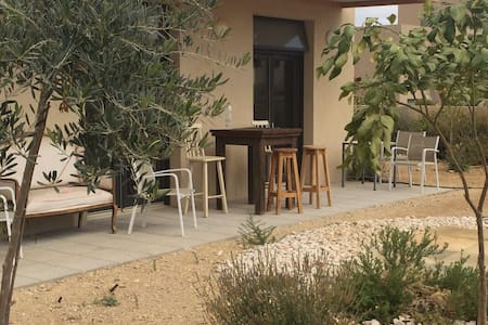 Remote Quarters Arava Desert RedSea - Be'er Ora