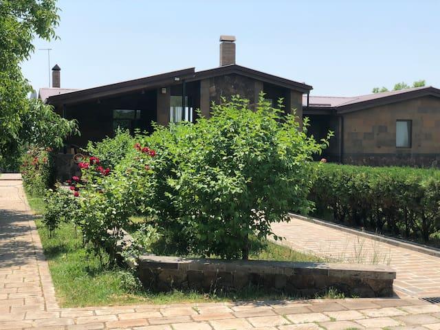Villa Mughni