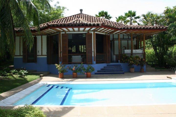 Beautiful summer house in Club Puerto Peñalisa