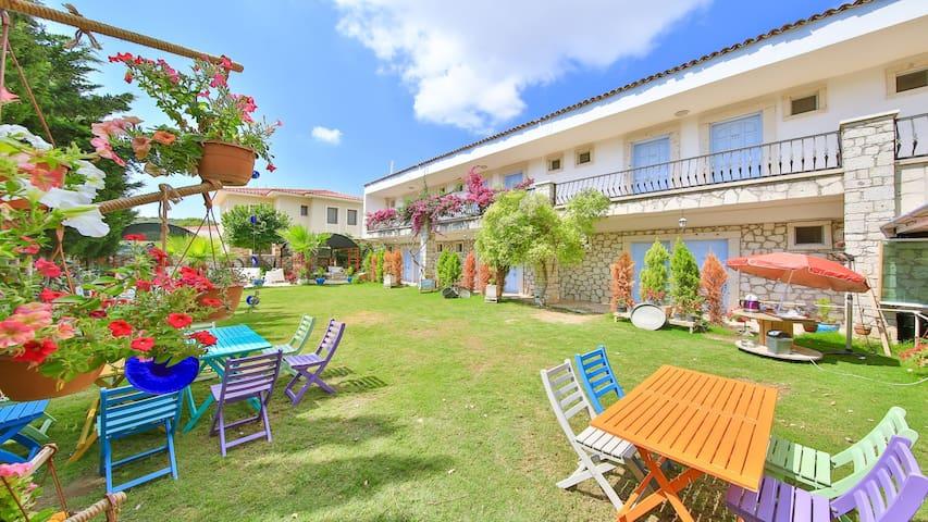 Alasonya Otel Alaçatı by La Mira