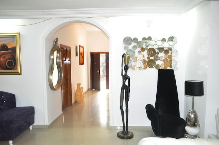 Villa Blanche - Yaounde - Apartemen