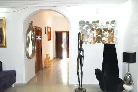 Villa Blanche - Yaounde - Flat