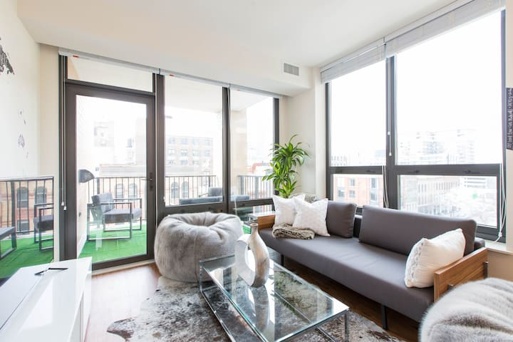 Walk to the Mag Mile from this Chic Retreat