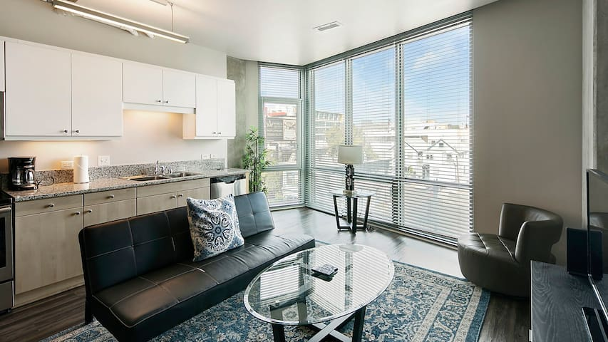 Upscale Studio in San Diego good for longer stays