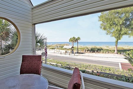 Anna Maria island, FL: Bird's Nest apartments - Bradenton Beach - Pis