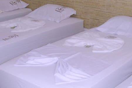 Pousada aconchegante em Trindade Quarto 13 - Trindade - Bed & Breakfast