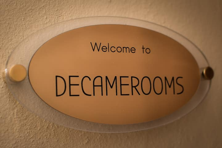 DECAMEROOMS APARTMENT