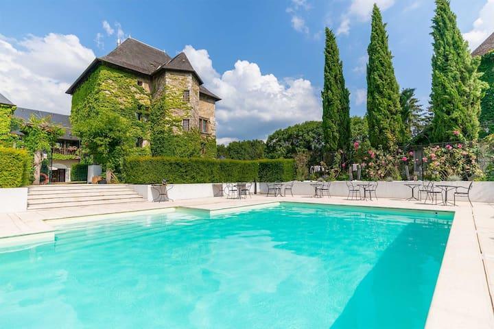 Chateau Authentique dans les Vignes ! Dégustation de Vins sur place