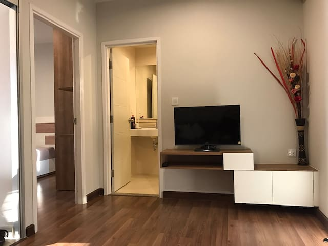 Modern Living close to SkyTrain - Nonthaburi - Apartament