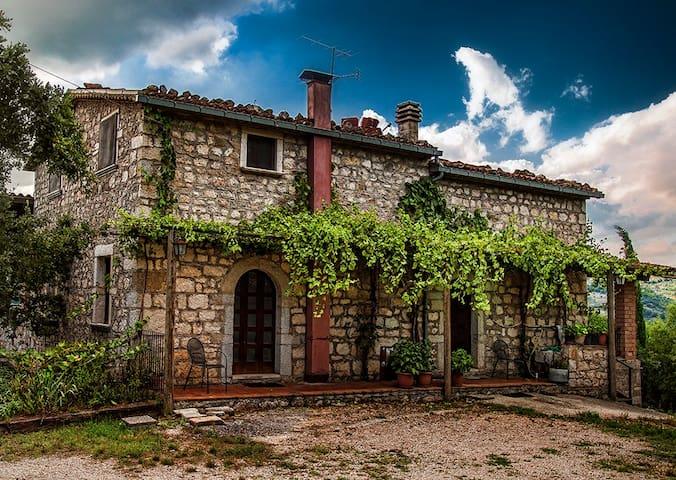 Italian Countryside Retreat - BnB