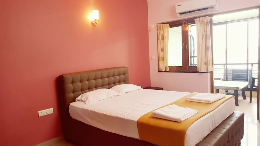 Standard B&B with great views in Panjim