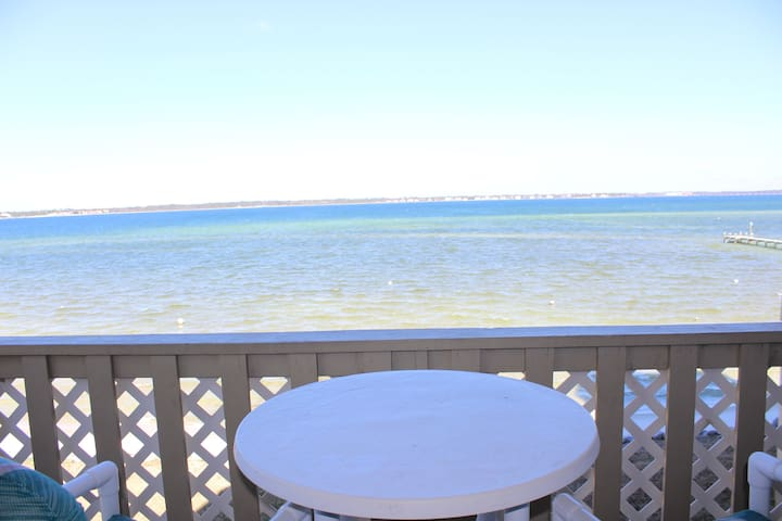 Newly renovated condo with amazing water views!